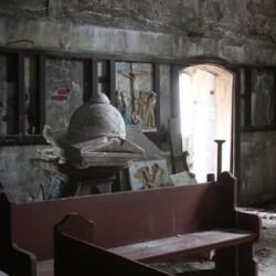 abandoned chapel_door_3036
